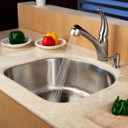 Смеситель должен быть удобным для ежедневного использования, мытья посуды и продуктов питания