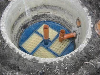 ЧТобы повысить эффективность очистки сточных вод, можно во второй резервуар установить биозагрузку с аэрлифтом
