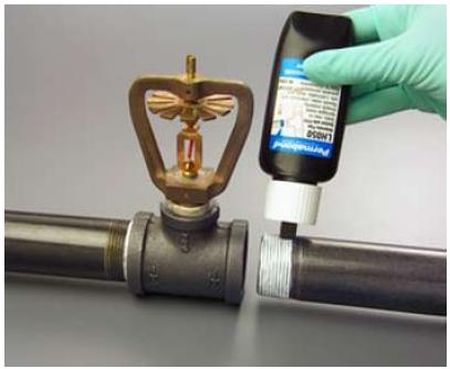 Использование герметика на пластиковых трубах