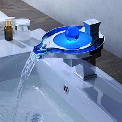 Светодиодный смеситель-водопад для ванно