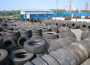 Старые грузовые шины