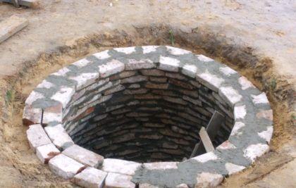 Выгребная яма практически готова