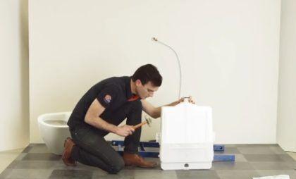Для лучшей фиксации допускается осуществлять легкие удары резиновой киянкой по крепежам