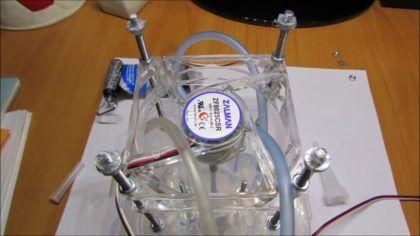 Нанесение герметика на шпильки