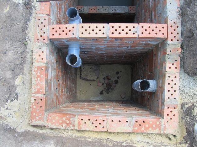 Устройство сливной ямы из кирпича в частном доме своими руками 3