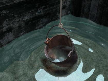Чистая вода в колодце