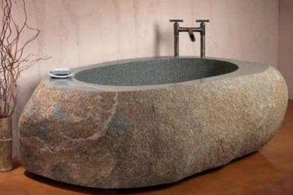 Ванна из чугуна сравнима по весу с каменной