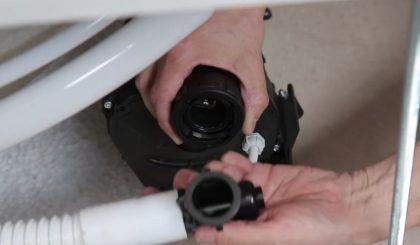 Подключение шланга от трубопроводов гидромассажа