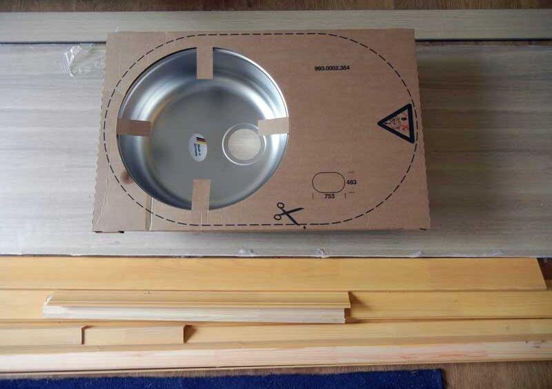 Установка врезной мойки для кухни своими руками видео