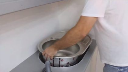 Установка врезной раковины на кухне