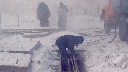 Ремонт канализационных труб зимой - очень трудоемкий и зачастую технически невозможный процесс