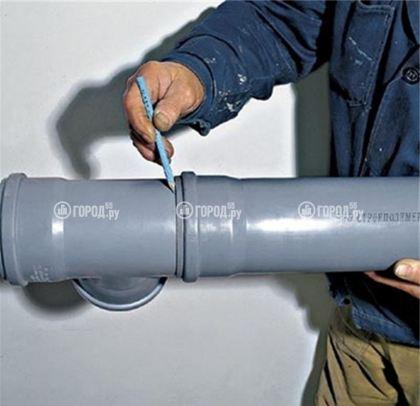 Предварительный замер вхождения трубы в раструб