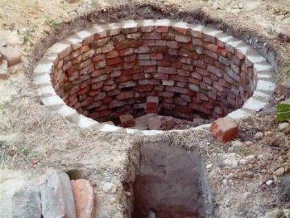 Как самостоятельно построить выгребную яму из кирпича