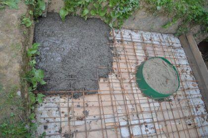 Процесс заливки перекрытия бетоном