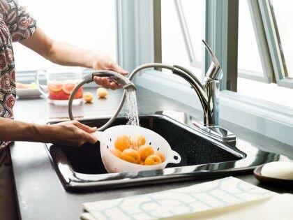Смесители для кухни с душем