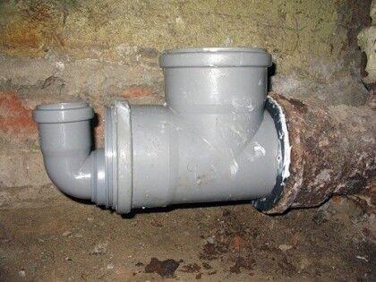 Соединения трубопроводов канализации могут протекать
