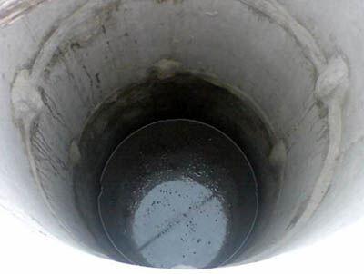Чтобы вода в колодце не замерзала, позаботьтесь об утеплении заранее