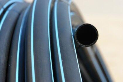 Толщина и гладкость стенок трубы