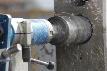 Бурение бетона как вариант изготовления отверстий для труб