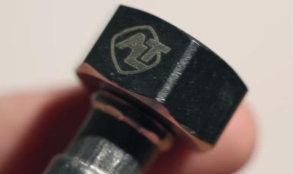 Лазерная гравировка на изделии говорит о высоком качестве