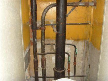 Стояк горячего водоснабжения