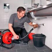 Причины канализационных засоров — как почистить своими руками